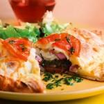 Calzone tartiflette et salade verte